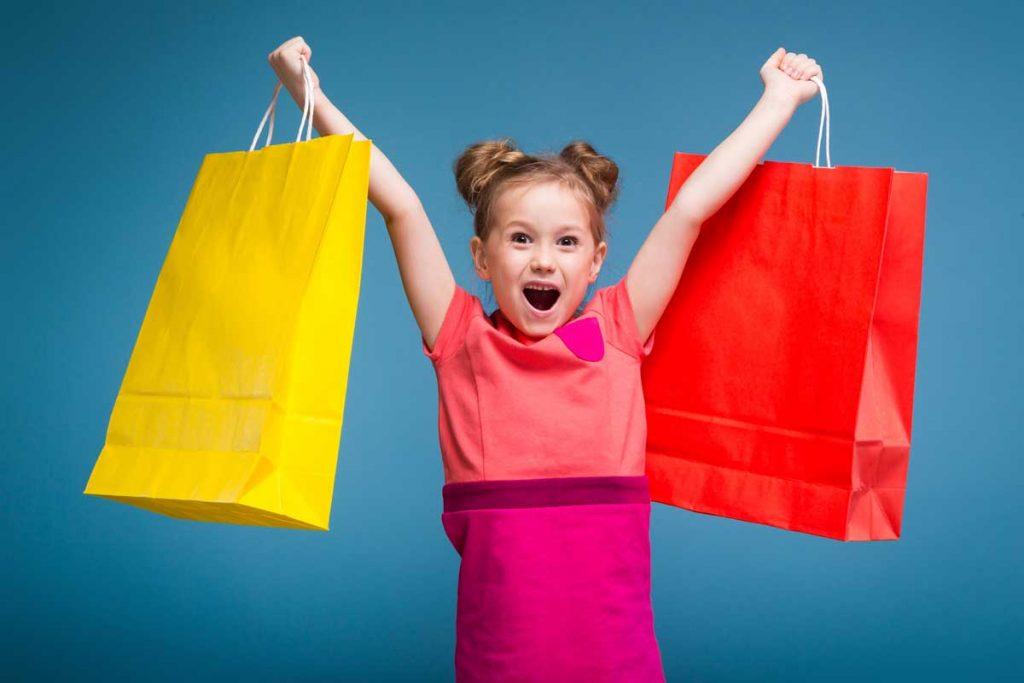 herzkranke-kinder-muenster-kind-einkaufstueten-spenden