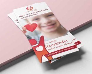 Herzkranke-kinder-flyer-mockup